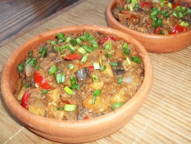 Ajapsandali is a favorite Georgian recipe 13