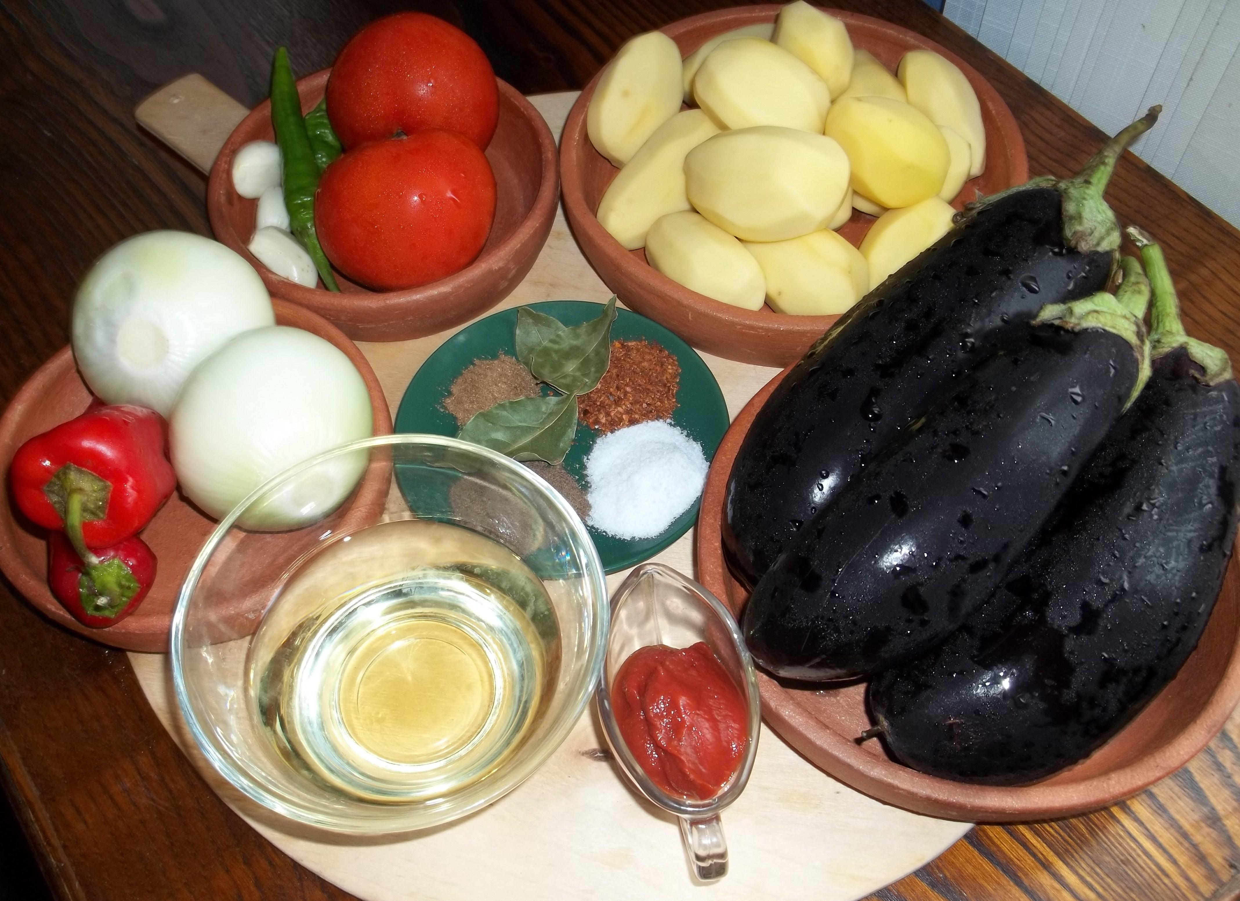 Ajapsandali is a favorite Georgian recipe 17