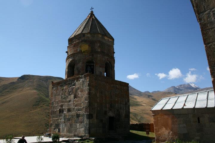 About Sights – Gergeti Trinity Church | Georgia About