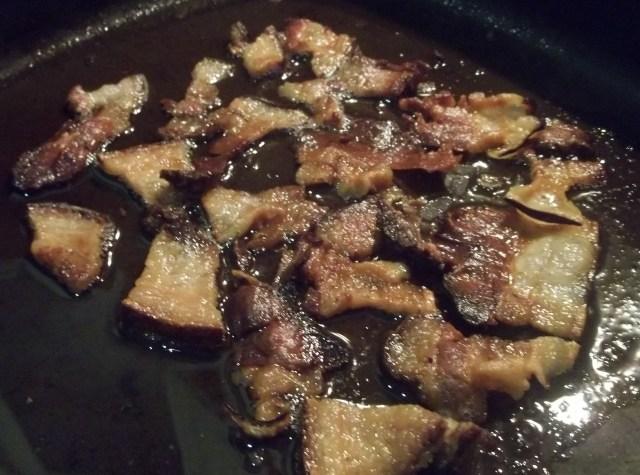 Frying Racha Ham for Ham Chashushuli Recipe