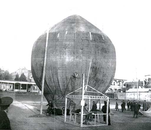Balloon in Tiflis, circa 1910