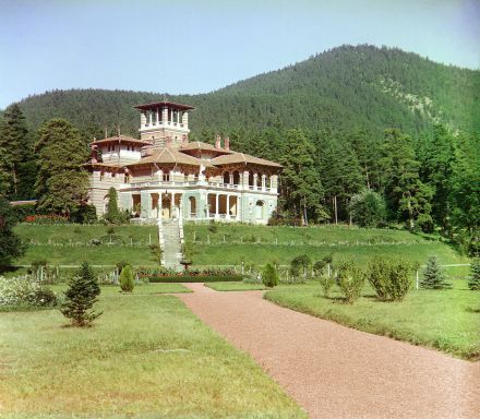Color Photograph of the Romanov Summer Palace in Likani by Sergey Mikhaylovich Prokudin-Gorsky