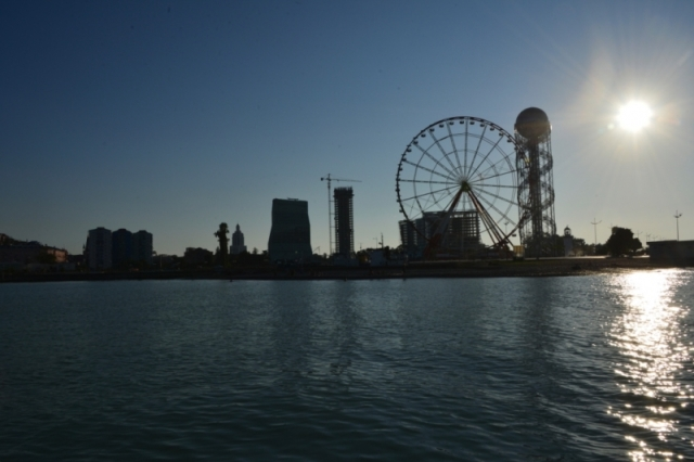 Ferris wheel on Batumi Boulevard in Batumi_8