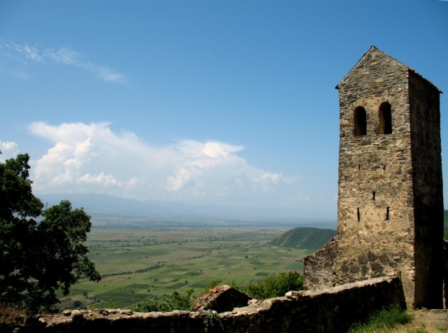 Tower (XVI century) at Nekresi. Photo by Lidia Ilona, via Wikimedia Commons