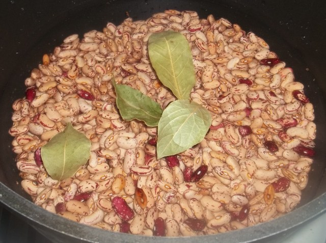 Soaking Beans for Lobio with Mint and Eggs Recipe