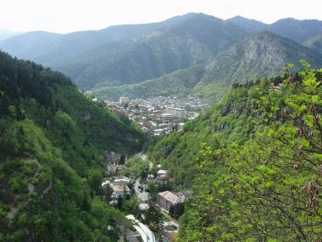 Borjomi Gorge. Photo by world66.com via Wikimedia Commons
