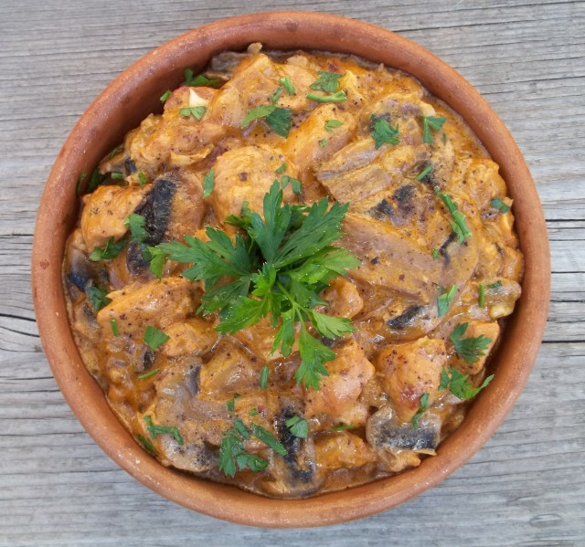 Chicken with Mushrooms and Green Ajika