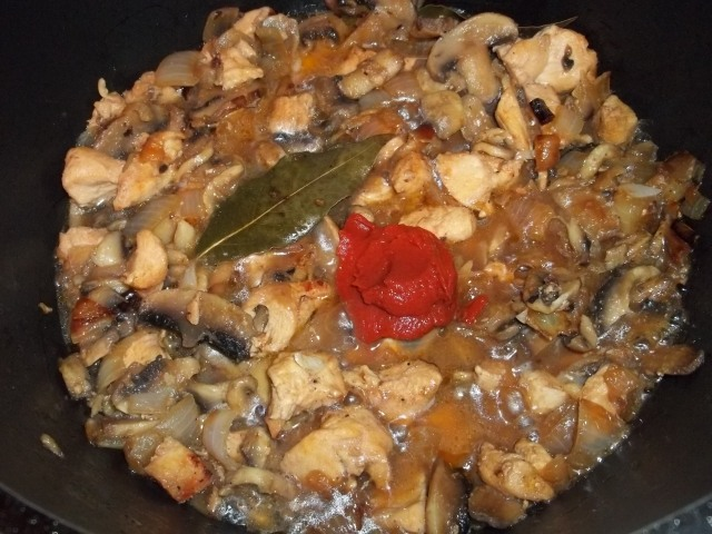 Chicken with Mushrooms and Green Ajika_5