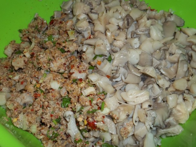 Cooked Mushrooms with other Ingredients