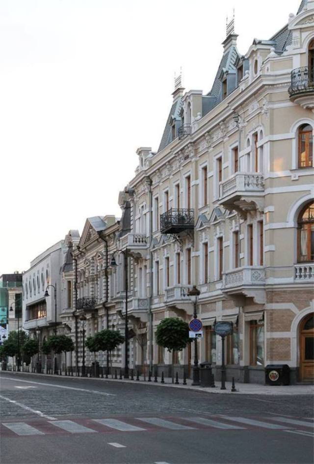 Davit Agmashenebeli Avenue in Tbilisi_8