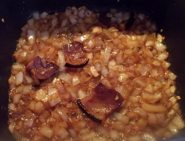 fried-onions-and-ham-for-lobio-with-fried-ham-recipe