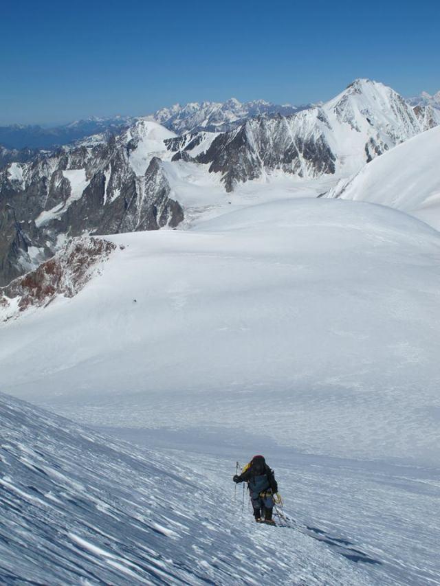 The President of Georgia climbing Mount Kazbegi. Photo courtesy of the President's Administration_2