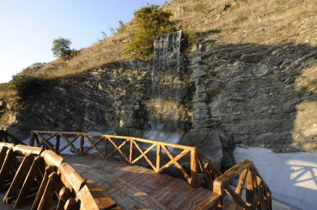 Waterfall at the Winery Khareba Tourist Complex at Kvareli Gvirabi. Photo courtesy of Winery Khareba.