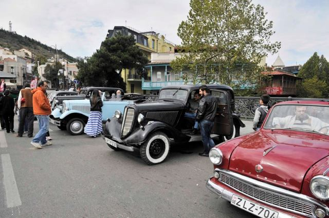 Classic Cars at Tbilisioba - 2013. Photo courtesy of Tbilisi Mayor's Administration.