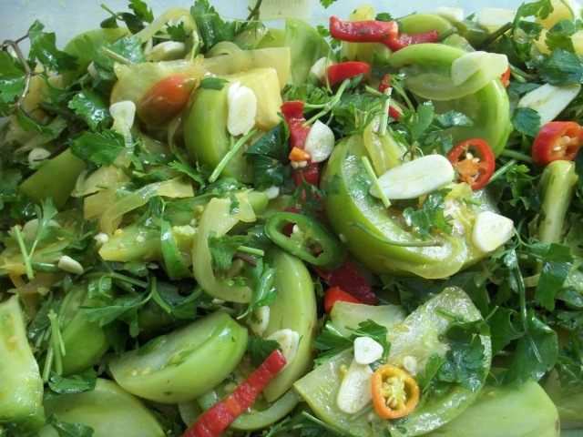 Mixed Ingredients for Marinated Green Tomato Recipe