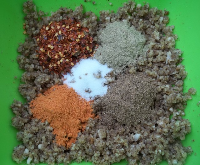 Spices and walnuts for Shallot Satsivi
