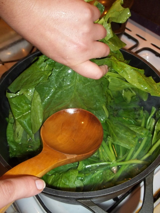 Boiling Spinach for Spinach Pkhali Recipe