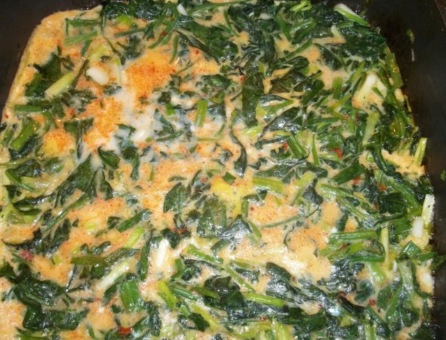 Cooking Spinach with Eggs