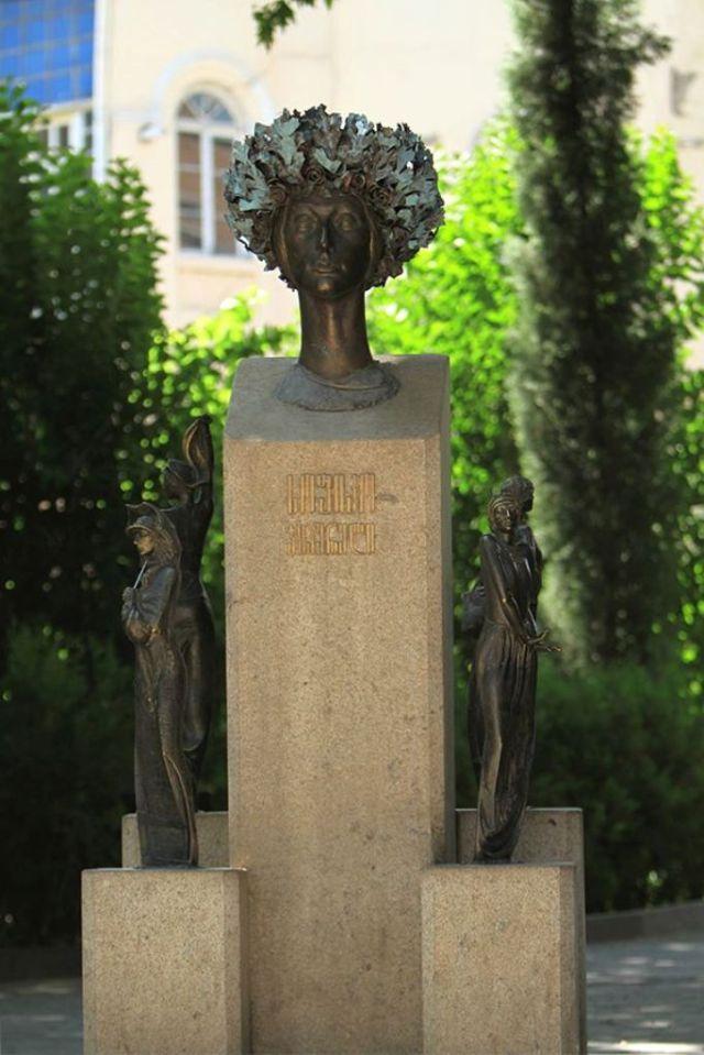 Sophiko Chiaureli (სოფიკო ჭიაურელი). Photo courtesy of Tbilisi Government.