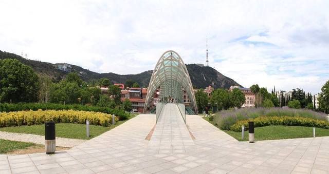 Entrance to the Bridge of Peace in Rike Park. Photo courtesy of Tbilisi Government