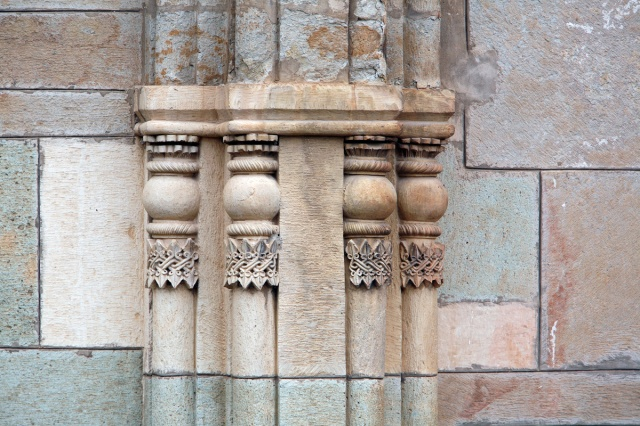 Ornamented Pilasters on the Southern Facade of Samtavisi Cathedral. Photo by Dror Maayan.
