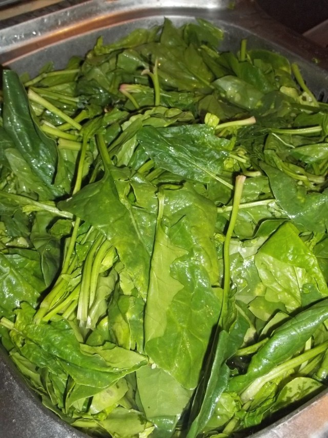 Preparing Spinach for Spinach Pkhali