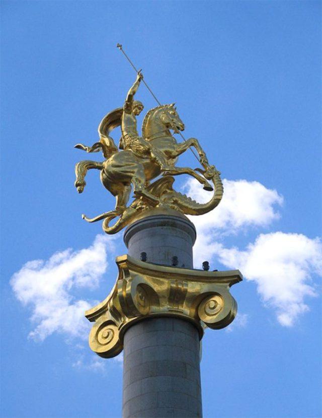 St. George Statue. Sculpture by Zurab Tsereteli. Photo courtesy of Tbilisi Government.