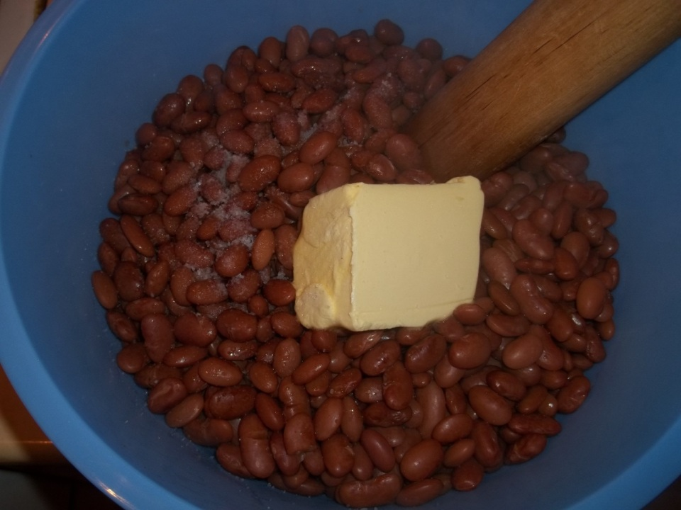 Adding Butter and Salt to Boiled Lobio Beans - Copy