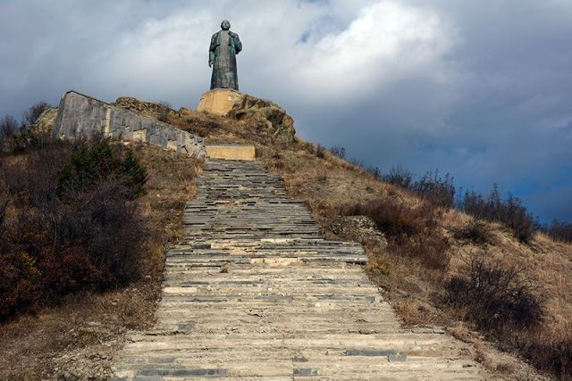 Statue of Ilia Chavchavadze at Saguramo, near Mtskheta.