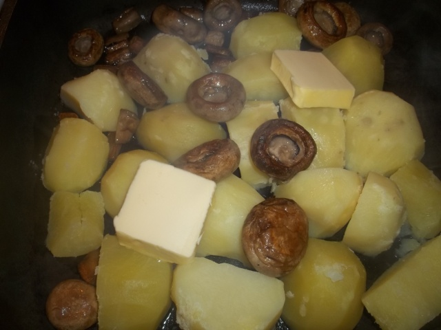 Frying Mushrooms with Potatoes - Copy