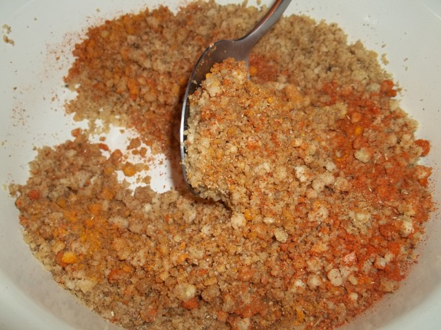 Mixing Walnuts and spices - Copy