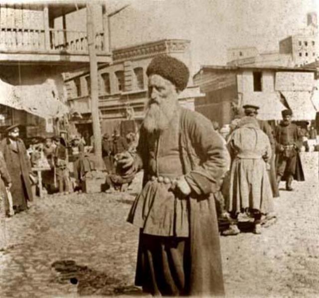 Bazaar in Tiflis by David Guramishvili
