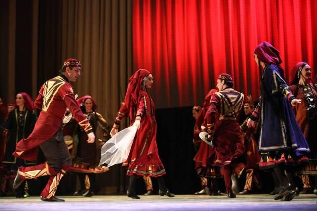 Rustavi Ensemble dancers performing the Khevsuruli (ხევსურული)  mountain dance