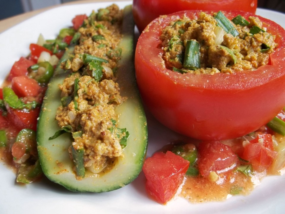 Tomato with Cucumber and nut - Copy