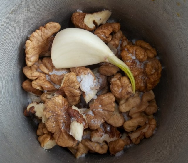 Walnuts Salt and Garlic - Copy