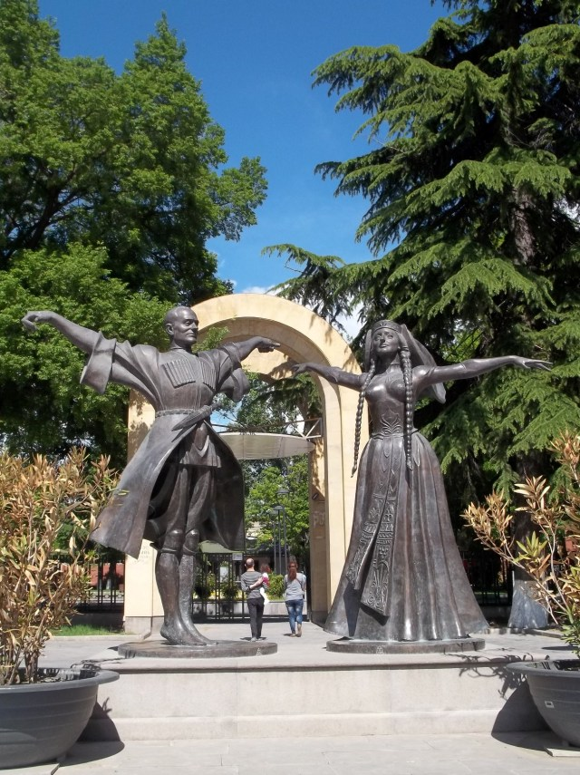 Statues of Iliko Sukhishvili and Nino Ramishvili in Djansug Kakhidze Garden in Tbilisi