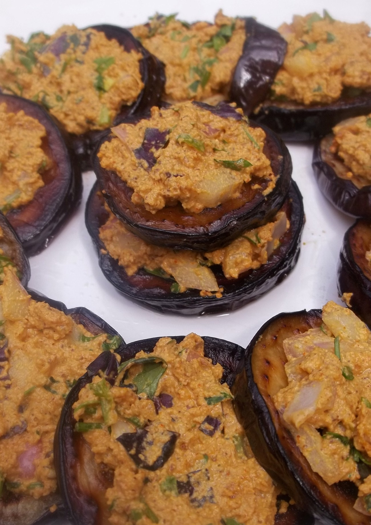 About food eggplant with hazelnuts and herbs georgia about for Aubergine cuisine
