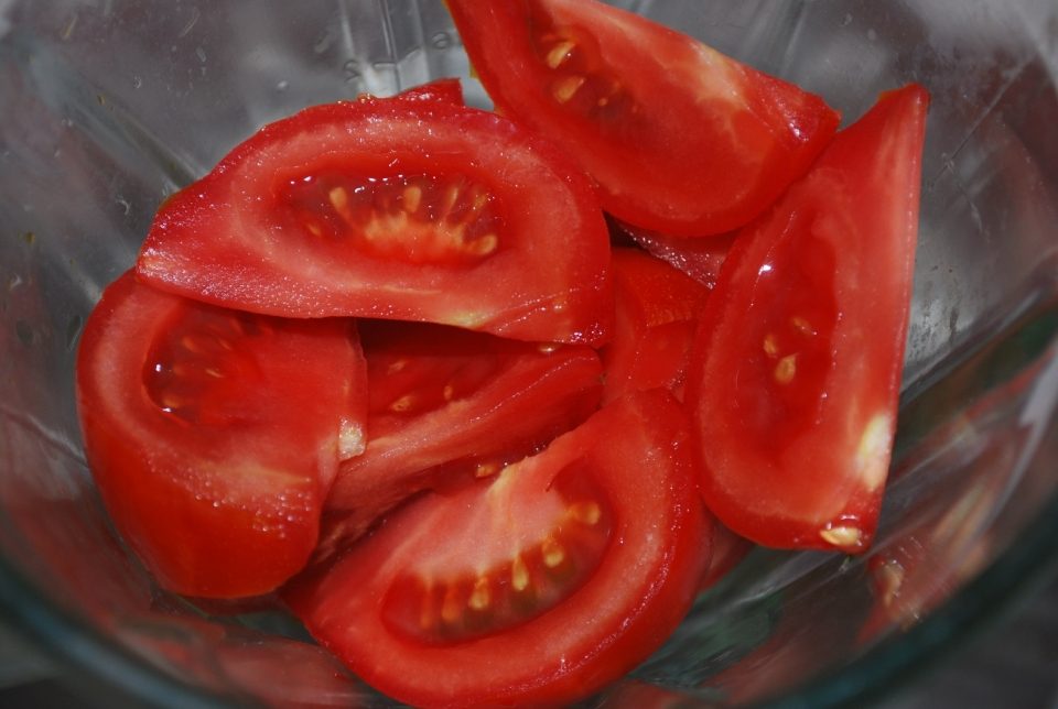 Cut Tomatoes - Copy