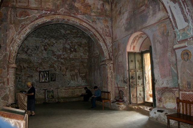 Interior of the Tsalenjikha Cathedral Church of the Transfiguration of Savior. Photo by Alsandro via Wikimedia Commons