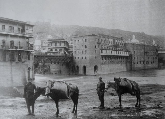 Water collectors in 19th century Tiflis