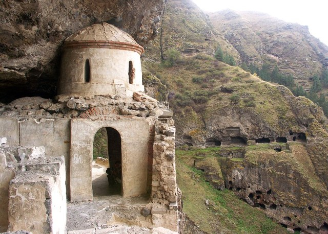 Vanis Kvabebi cave monastery. Photo courtesy of National Agency for Cultural Heritage Preservation of Georgia