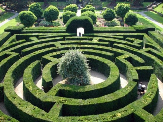 The decorative maze at Tsinandali Palace