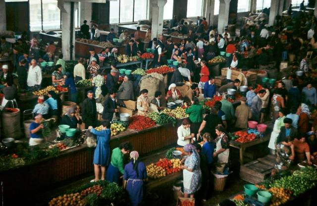 A Georgian fruit and vegetable market in the 1970's. Photo taken in 1977 by Erhard K