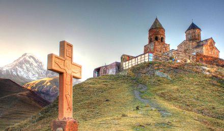 Gergeti Trinity Church (Georgian: წმინდა სამება). Photo by Roberto Strauss via Wikimedia Commons