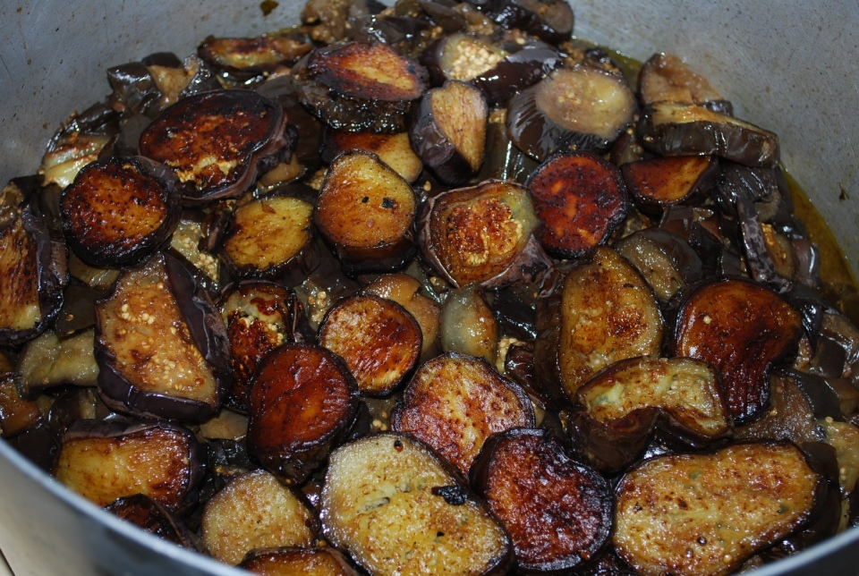 Fried Eggplant in Pot - Copy