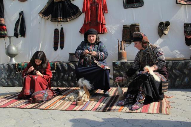 A demonstration of traditional spinning at the Mtskhetoba - Svetitskhovloba celebration