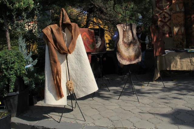 Traditional crafts at the Mtskhetoba - Svetitskhovloba celebration