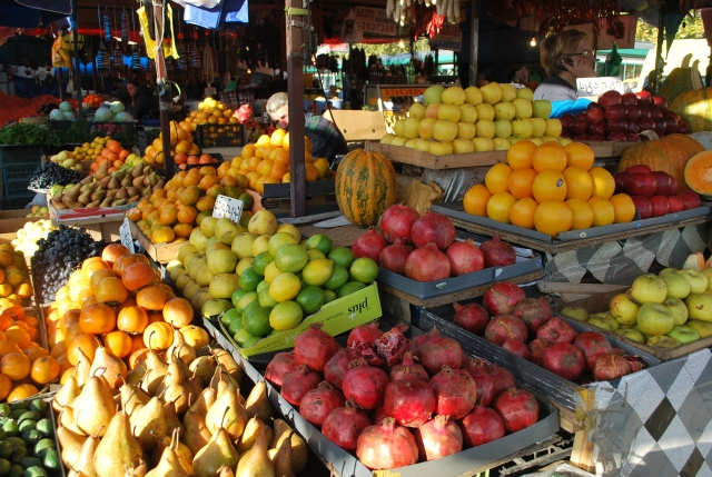 Fruit stalls at the Dezerter Bazaar