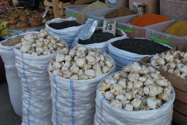 Sacks of garlic at the Dezerter Bazaar