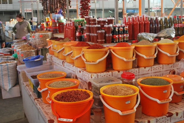 Spice stall at the Dezerter Bazaar